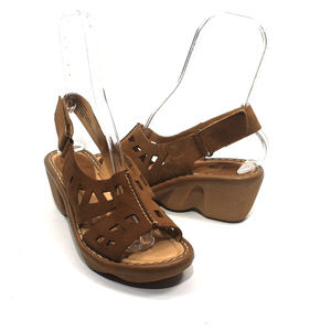 EARTH Stargaze Sand Suede Wedge Sandals Size 9B